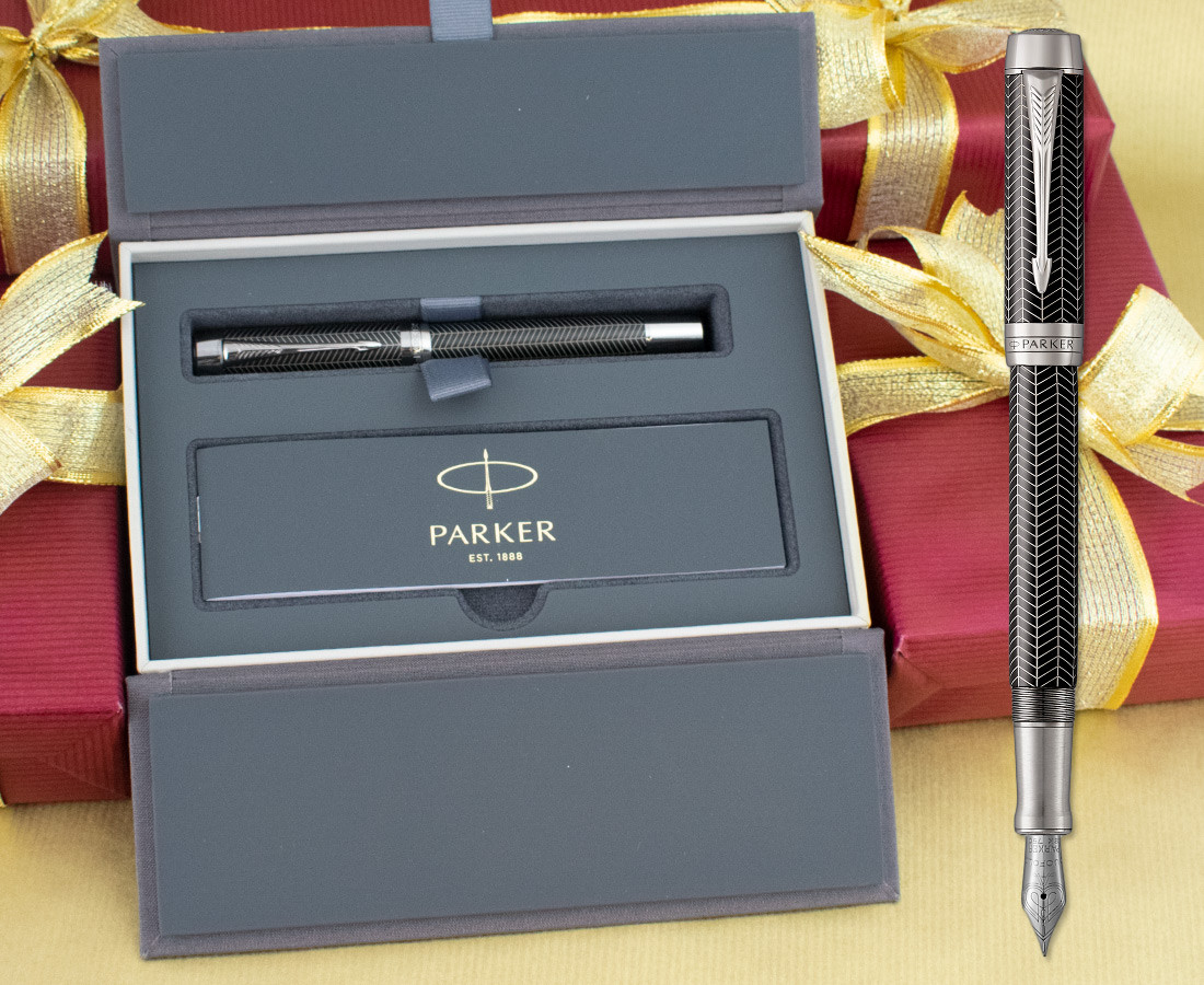 Parker Duofold Prestige Fountain Pen - Centennial Black Chevron Chrome Trim in Luxury Gift Box